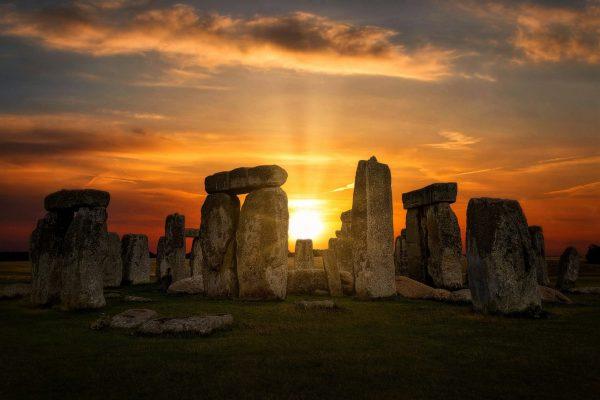 #CCSPindica: Stonehenge transmite solstício de verão ao vivo